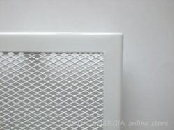 Бяла решетка за камина с широк кант